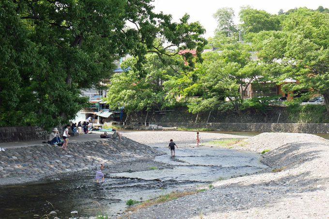 バーベキューや川遊び、河岸散歩を楽しもう!