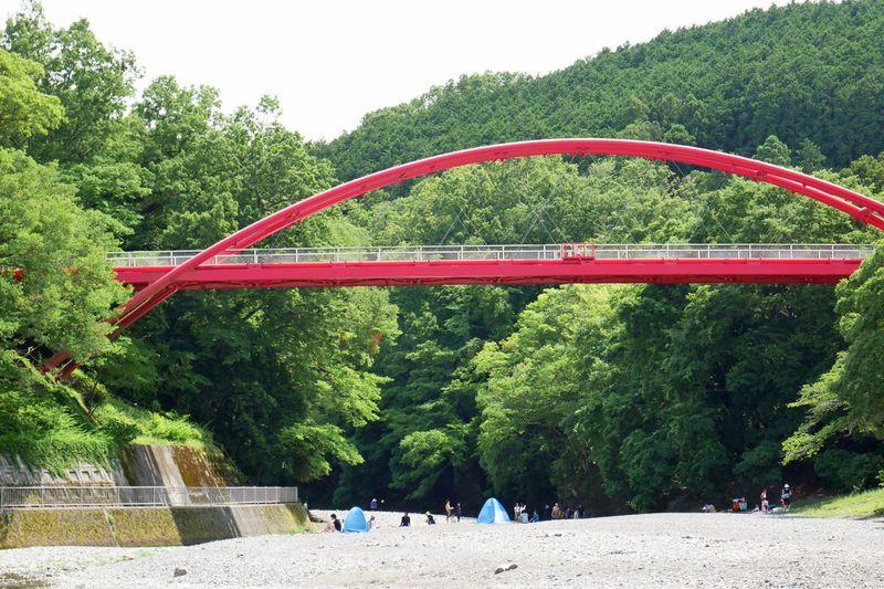 埼玉「飯能河原」は昔からの行楽スポット!川遊びに行こう