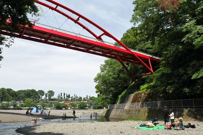橋梁ファンにお勧め!赤いアーチが美しい割岩橋