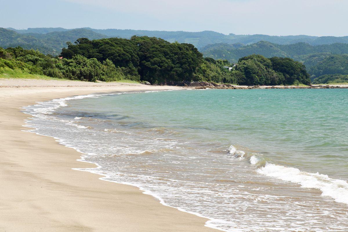 美しい一里崎浜、人の姿の無い浜辺を独り占め気分で歩こう!