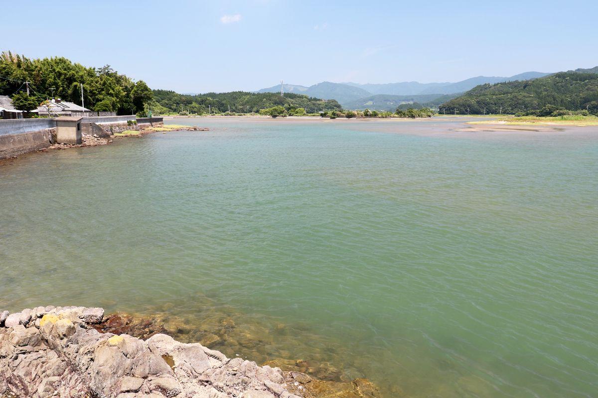 「本城干潟」の美しい風景も見ておこう