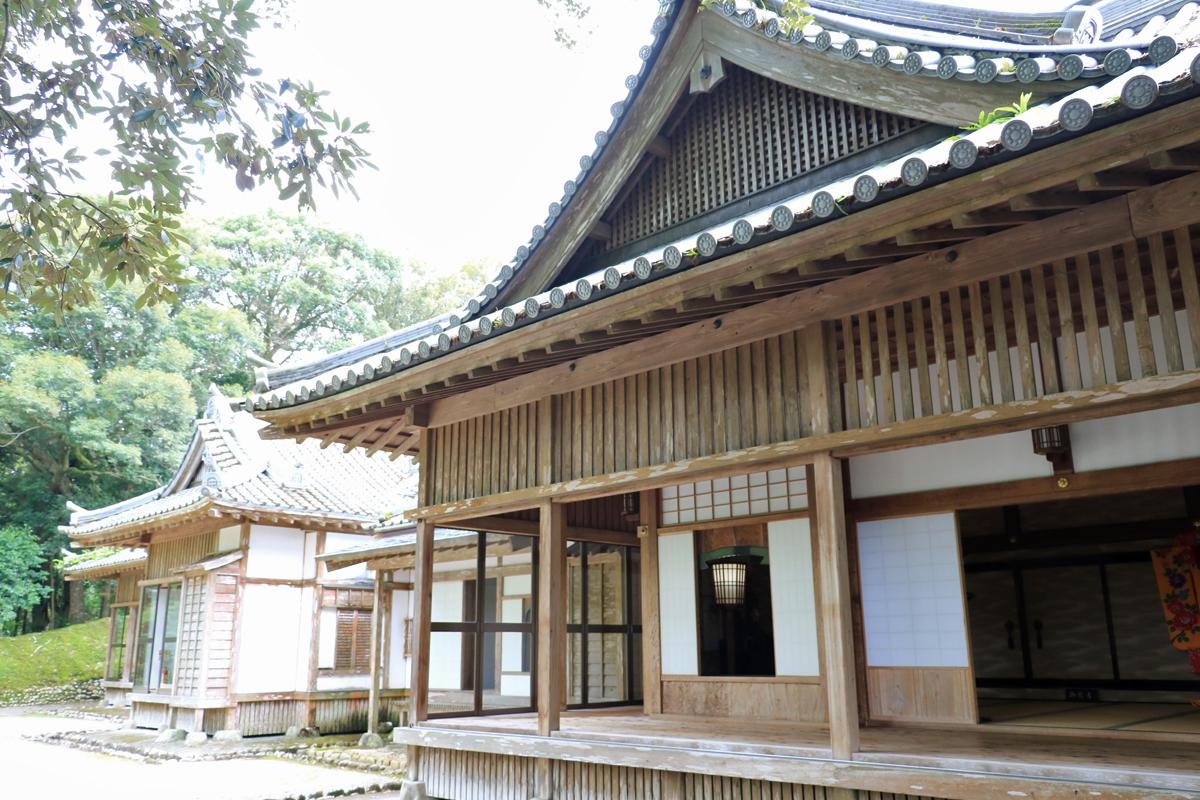 往時の藩主の館を再現した松尾の丸