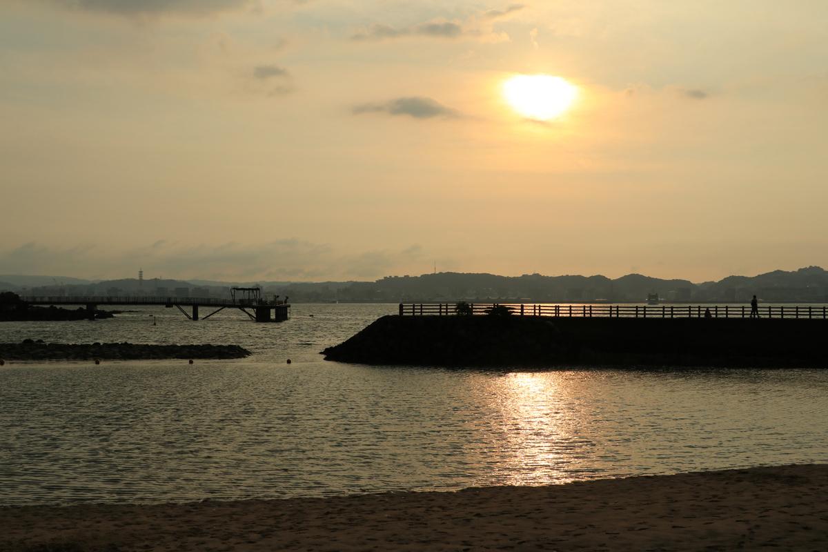 夕暮れ時の桜島港で散策を楽しもう!