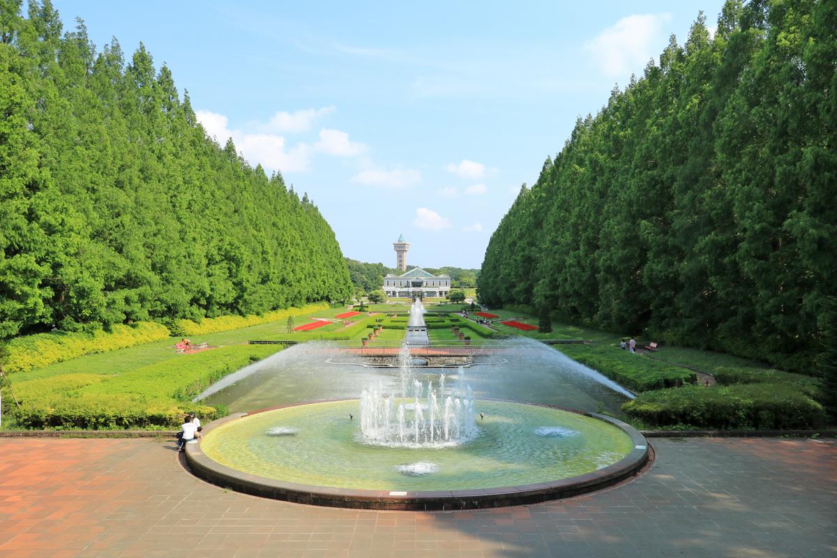 シンメトリックにデザインされた、美しいフランス式庭園