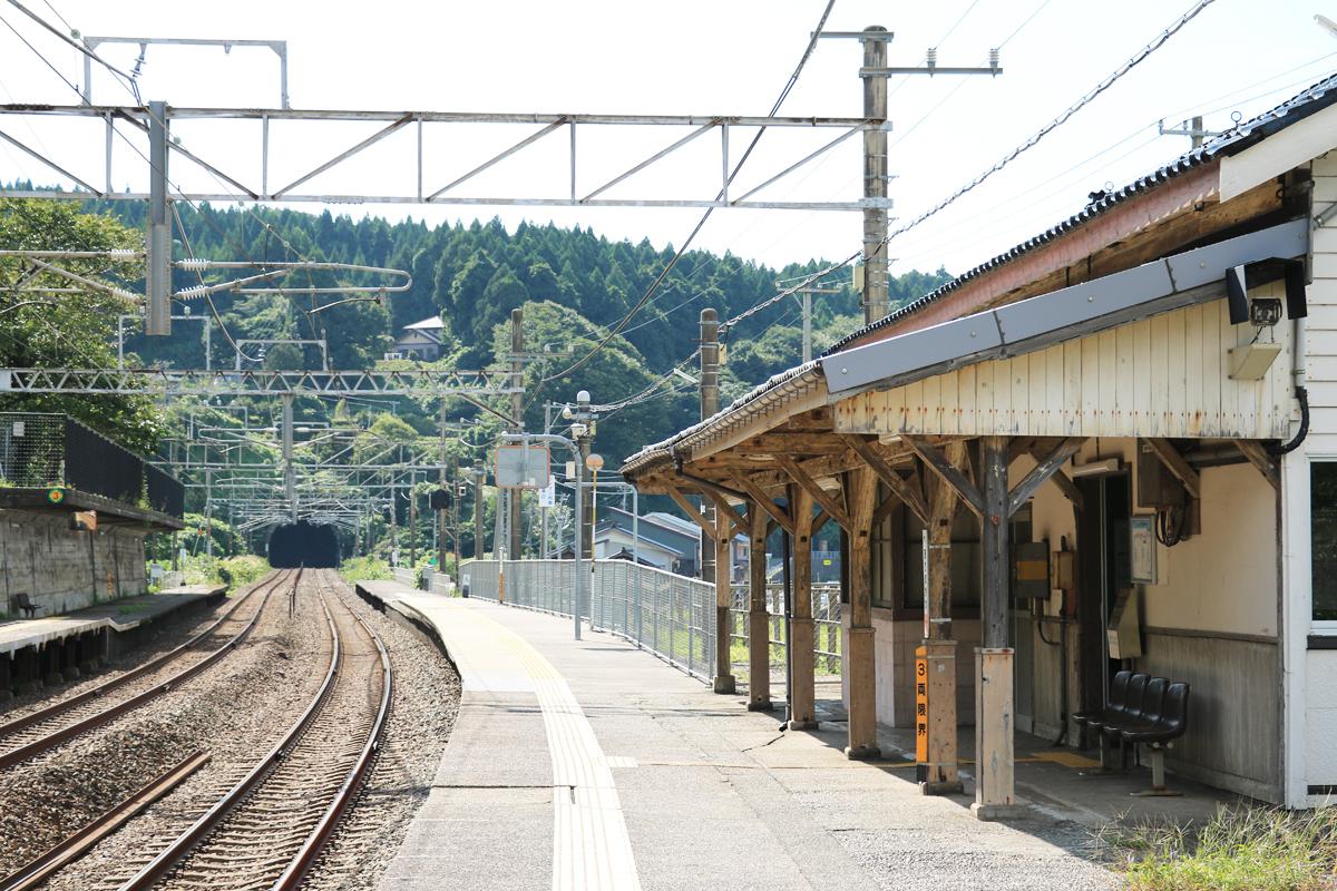 途中下車の旅を満喫できる有間川駅