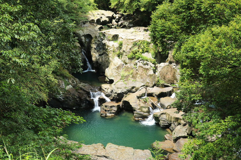 アクセス容易だけど秘境感漂う!鹿児島県曽於市「三連轟」の滝