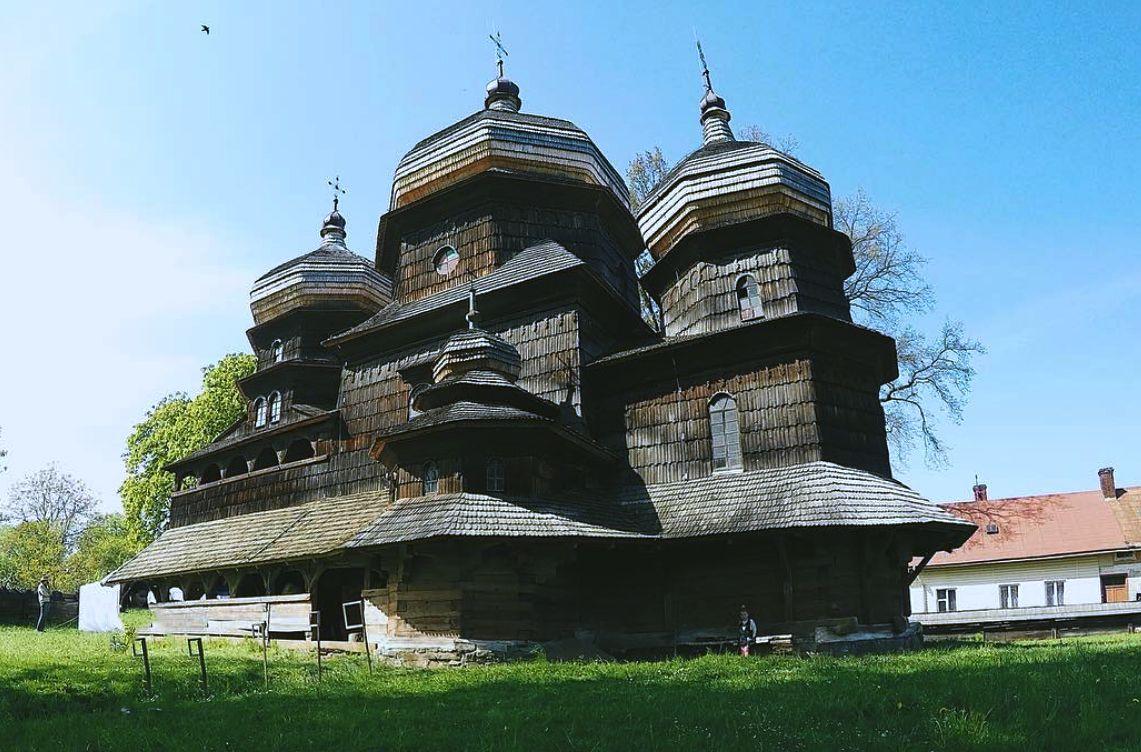 ポーランドとウクライナのカルパティア地方の木造教会群