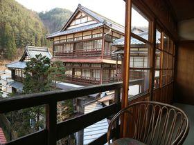 文学薫る高楼!長野・田沢温泉「ますや旅館」の木造は趣深し