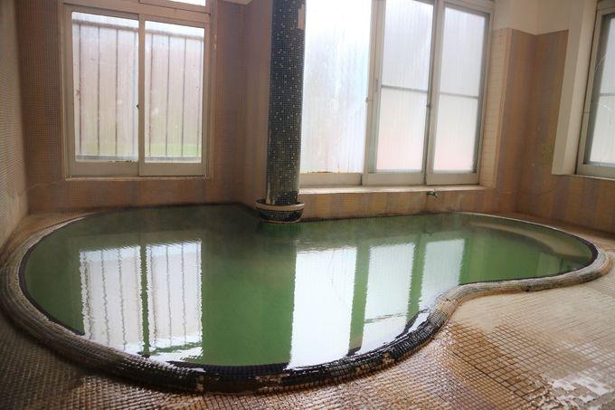 8つの湯船は源泉掛け流し!瀬見温泉の伝統的なふかし湯も