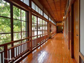 老舗宿で美人湯三昧!熊本県南部の小京都・人吉に建つ「人吉旅館」