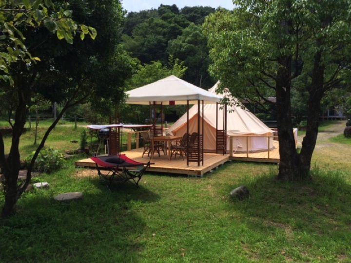 グランピングにキャンプ、あるいは畳の宿泊棟、お好きなタイプで宿泊できます