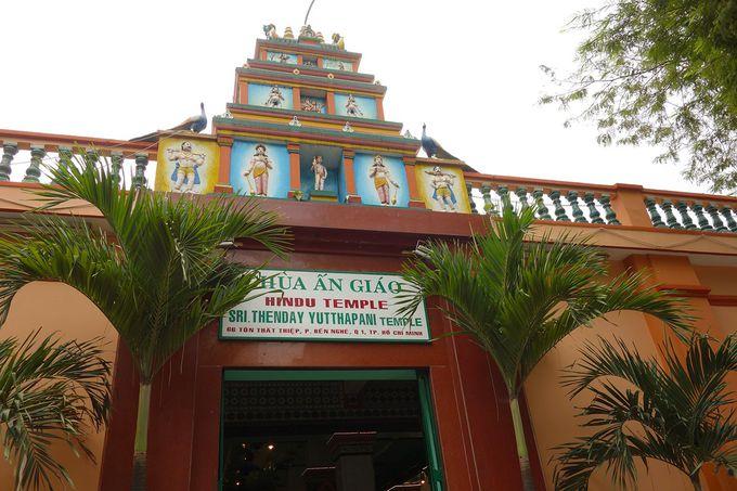 ヒンズーのお寺、スリタンディユッタパニ