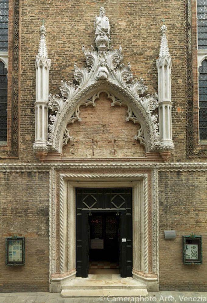 ヴェネツィアン・ゴシックとパッラーディオ様式:サント・ステファノ教会とレデントーレ教会
