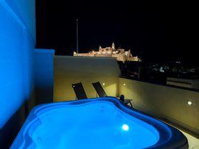 マルタ・ゴゾ島で泊まるなら、立地・設備・サービスで選ぶ「ザ・デューク・ブティック・ホテル」