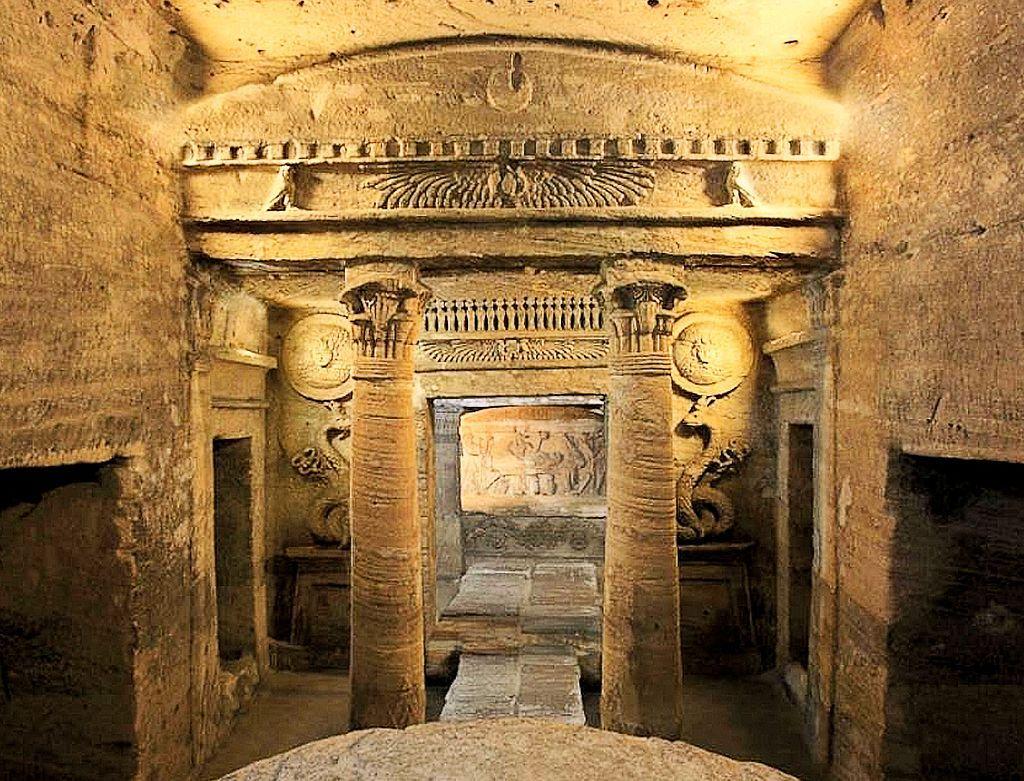 ギリシャ・ローマとエジプト文明の融合「コム・エル・シュカファのカタコンベ」