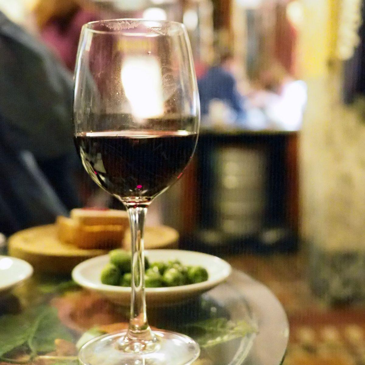 気軽なのに本格的、味も雰囲気も良い「STOP MADRID」