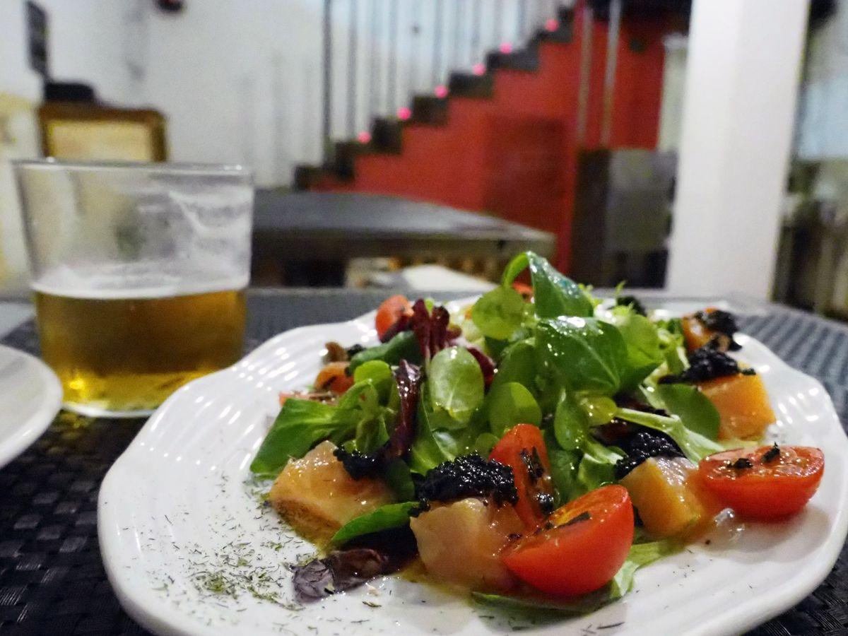 美味しいワインと料理をゆっくり味わえる「Taberna LA CONCHA」