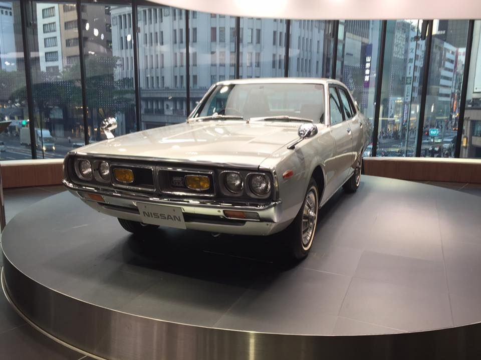 未来の自動車を展示する「センターステージ」