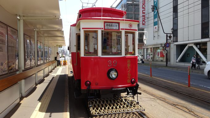 函館市内を走る路面電車やバスとは?