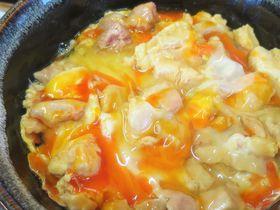 黄身が鮮やかなオレンジ色!絶品の親子丼「清里・中村農場」