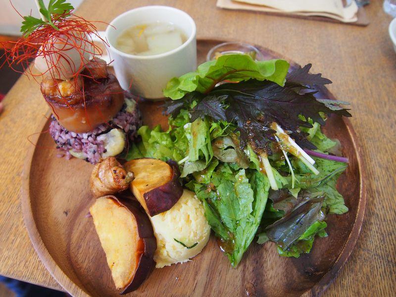 農家直営!埼玉「OIMO cafe」で野菜たっぷりランチ