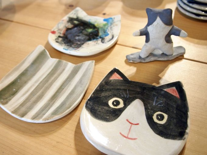 「陶工房 風土」で猫皿の絵付け体験