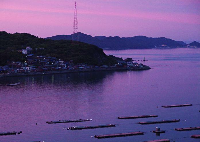 ラベンダー色に染まる鳥羽湾の夕景は、必見の美景!