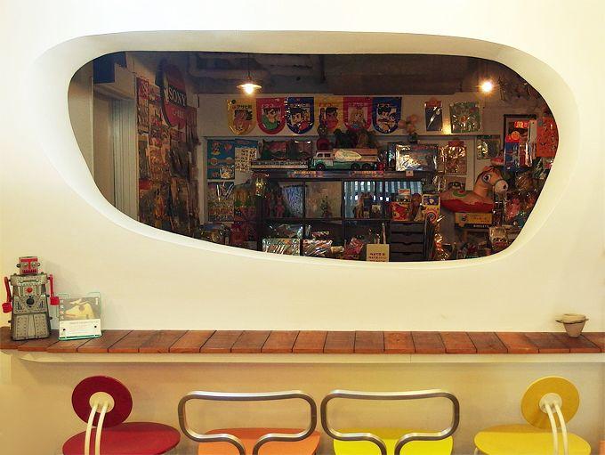 三丁目の夕日に照らされた夢幻宇宙!「空想カフェ」