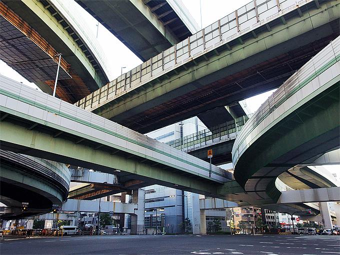 実は大阪はドボク鑑賞の聖地!高速道路の名物JCTを巡ってみよう
