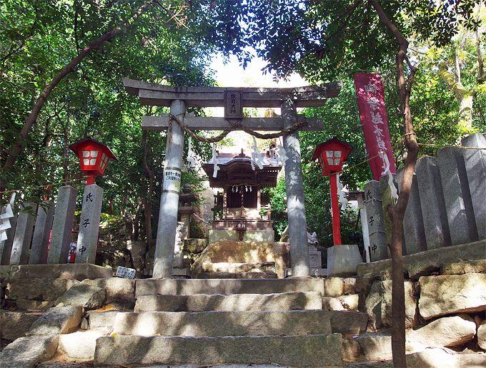 神宿る甑岩!兵庫県・越木岩神社は畏れに満ちた神秘のサンクチュアリ