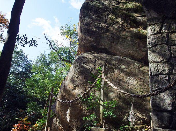 神の意思が現れた、甑岩の不思議な伝説