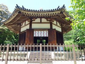 国宝が手の届く距離にある驚き!奈良「榮山寺」は仏心全開の名刹