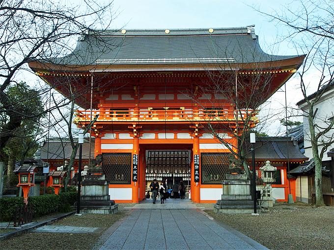 八坂神社は、疫病退散の御利益で知られる神社