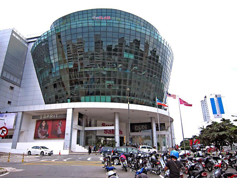 旅行者必見!コタキナバル「スリアサバ・ ショッピングセンター」