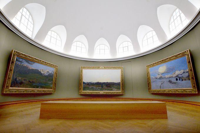 夕方:セガンティーニ美術館で荘厳なアルプス3部作を鑑賞