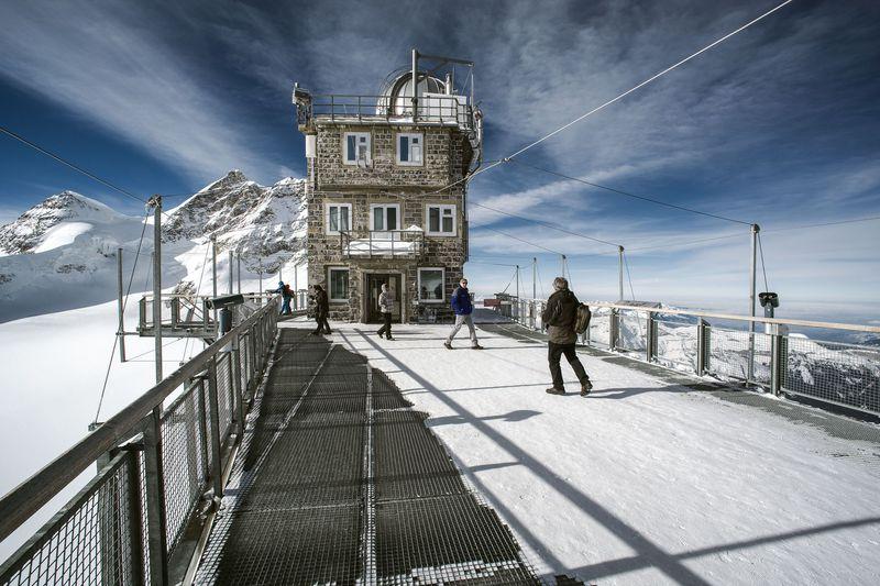 ユングフラウ鉄道はスイス観光のハイライト!お手軽に「雪と氷の世界」へ