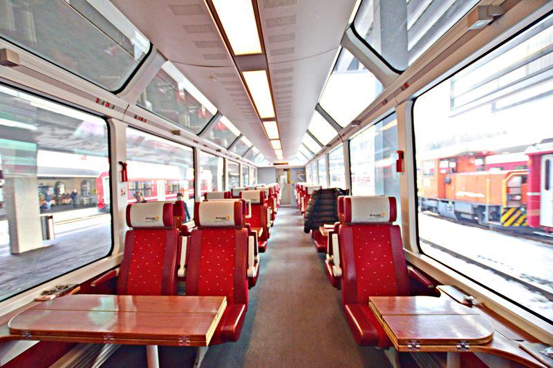 世界一遅い急行列車・氷河急行でスイスの景勝と世界遺産とグルメを堪能!