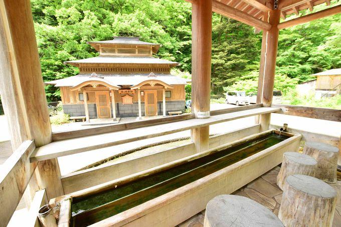 「日向見薬師堂」と足湯で健康祈祷