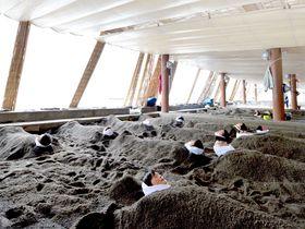 指宿の砂むし会館「砂楽」で雨の日も砂むしを!