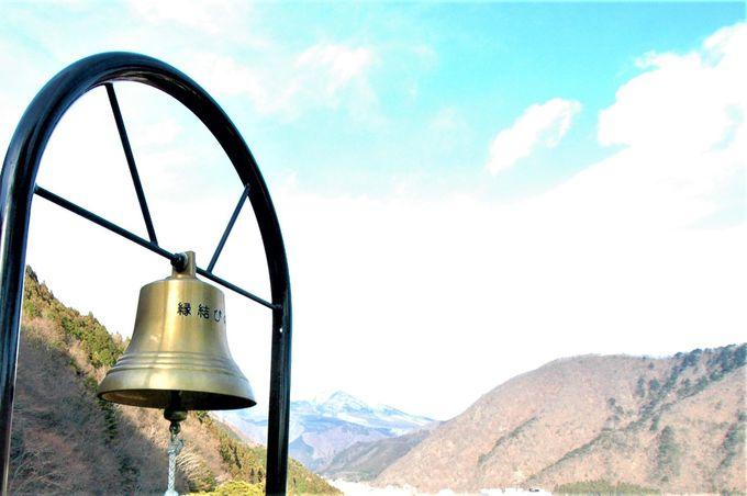 ラストは展望台で幸せを願う「縁結びの鐘」