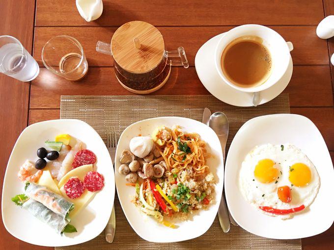 お気に入りの場所で朝食を