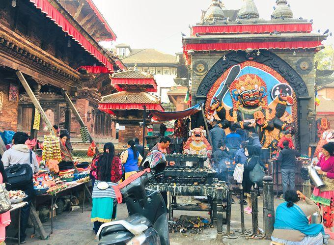 7時〜:寺院が立ち並ぶダルバール広場