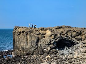 クジラの洞窟に野菜の住宅?魅力的な台湾の離島「小門」
