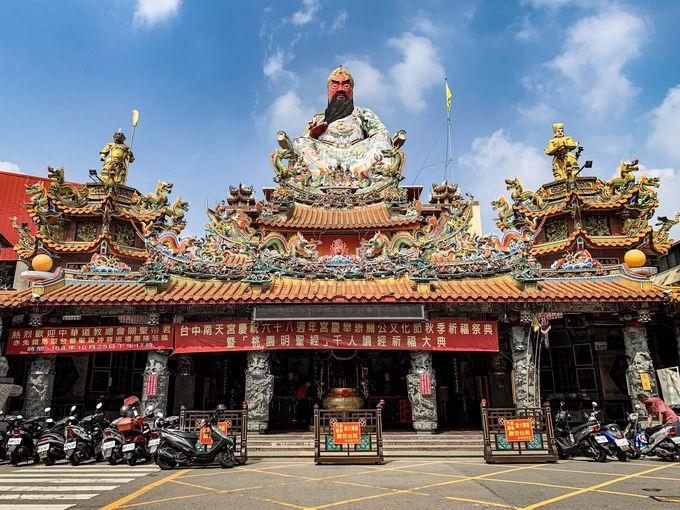 「巨大」づくしのお寺