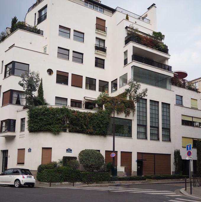 周辺の散策:ロベール・マレ・ステヴァンスの自邸(1927)もお奨めです。