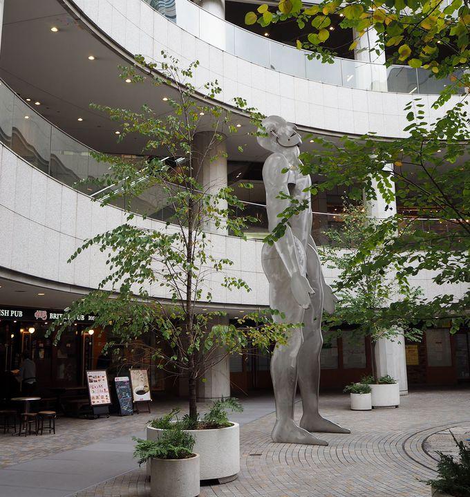 東京オペラシティには、アートが隠れてる!