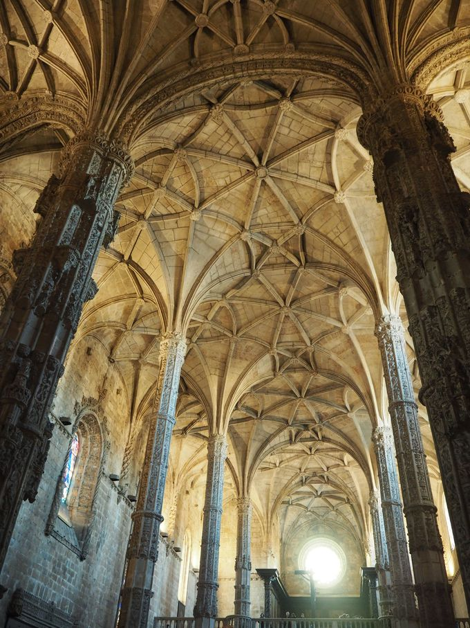 やはりここは外せない!世界遺産「ジェロ二モス修道院」