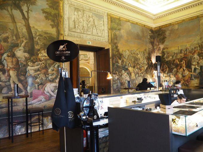 美術好きにお奨め!貴族の館でお食事を!フードコート「パラシオ・シアード」
