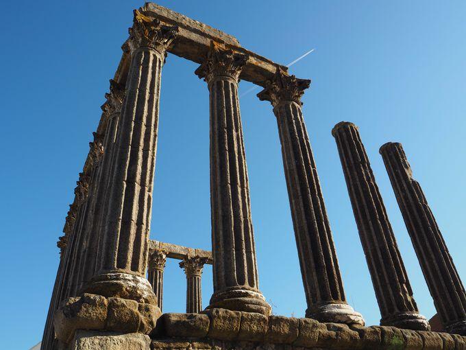 なぜここに?「ローマ神殿」