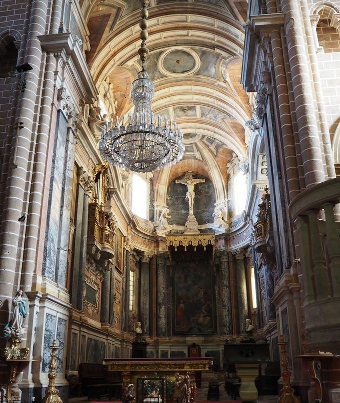 天正遣欧少年使節団も訪れた!「エヴォラ大聖堂」
